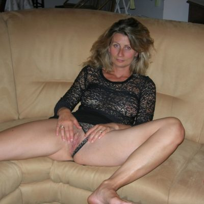 hooking up with milfs